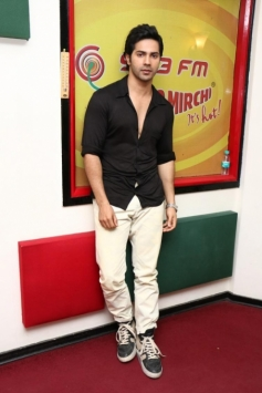Varun Dhawan at Radio Mirchi Mumbai to promote Main Tera Hero