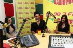 Varun, Nargis and Ileana at Radio Mirchi to promote Main Tera Hero