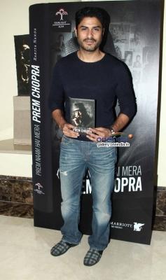 Vikas Bhalla at Prem Chopra's autobiography launch