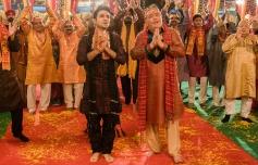 Vir Das and Rishi Kapoor still from Sanjay Chhel's Untitled(2014)
