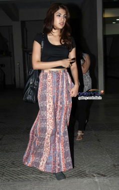 VJ Rhea Chakraborty at house warming party and birthday bash of Saqib Saleem