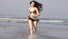 Zoya Afroz still from The Xpose
