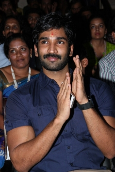 Actor Aadhi at CWIFF 2014 Award Funtion