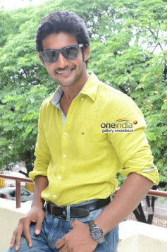 Actor Aadi at Pyar Mein Padipoyane Press Meet