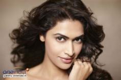 Actress Salony Photo