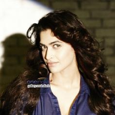 Actress Salony Pics