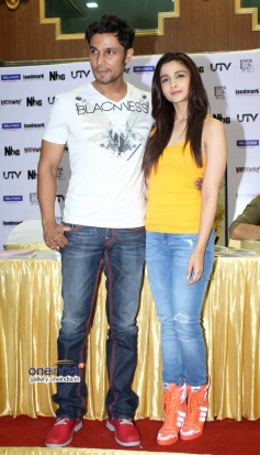Alia Bhatt, Randeep Hooda at DVD Launch of Highway