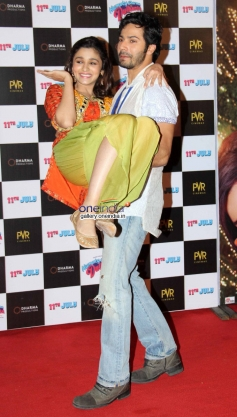 Alia Bhatt and  Varun Dhawan  at Humpty Sharma ki Dulhania First Look Launch