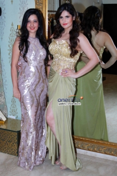 Amy Billimoria and Zarine Khan at Amy Billimoria displays her eco friendly collection