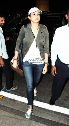 Anushka Sharma Leaves for Barcelona for Zoya Akhtar's Dil Dhadakne image