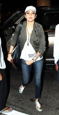 Anushka Sharma Leaves for Barcelona for Zoya Akhtar's Dil Dhadakne Picture