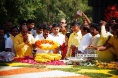 Balakrishna Nandamuri and Chandrababu Naidu at NTR family members pays tributes at NTR Ghat Photos