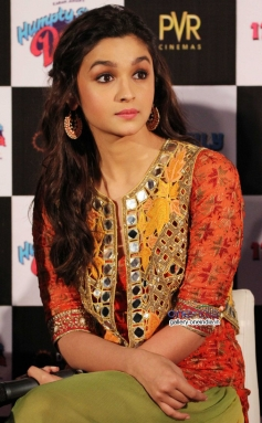 Bollywood Actress  Alia Bhatt at Humpty Sharma ki Dulhania First Look Launch