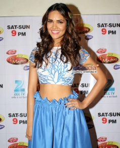 Esha Gupta at Humshakals Promotion in Zee TV's DID Little Master Season 3
