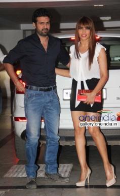 Harman Baweja and Bipasha Basu  at Karan Johar Birthday Bash 2014