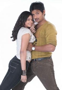 Jeeva and Anuya Bhagvath in Rangam Modalaindi