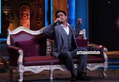 Kapil Sharma at Anupam Kher's Kuch Bhi Ho Sakta Show Still