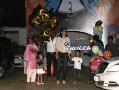 Mannyata Dutt with Son and Daughter at Shilpa Shetty Son Vivan Raj 2nd Birthday Celebration