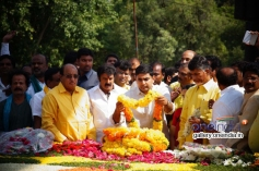 Nara Lokesh at NTR family members pays tributes at NTR Ghat Photos