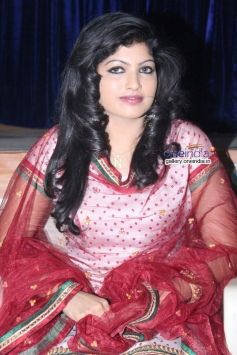 Nayana at Chitti Film Launch Press Meet