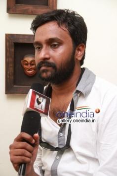 Manoj Paramahamsa at Poovarasam Peepee Press Meet
