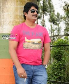 Ravishankar Gowda in Kannada Movie Ondu Chance Kodi