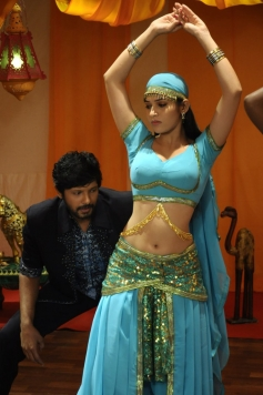 Sanjay & Sanyathara in Meimaranthen Movie