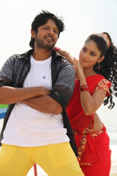 Sanjay and Sanyathara pics from Meimaranthen Movie