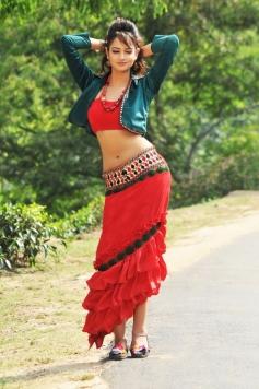 Sanvi still from Pyar Mein Padipoyane