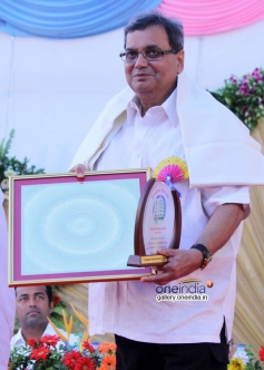 Subhash Ghai recieved award at Brahma kumaris decennial celebration
