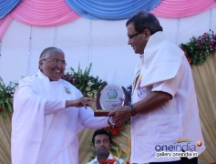 Subhash Ghai recieves award at Brahma kumaris decennial celebration