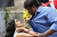 Tamil Movie Kathai Thiraikathai Vasanam Iyakkam Pics