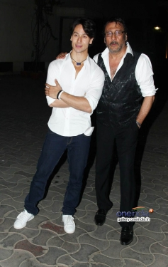 Tiger Sharoff & Jackie Sharoff at Heropanti Premiere Show