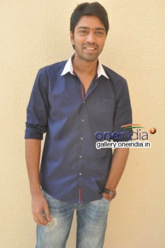 Actor Eesha at Bandipotu Movie Launch