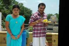 Actor Vivek and Swetha still from Naan Than Bala Movie