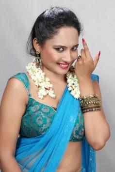 Actress Pearl D'souza Pics