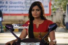Actress Swati Reddy pics from Vadacurry Movie