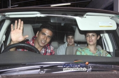 Akshay Kumar with Wife Twinkle and son Aarav