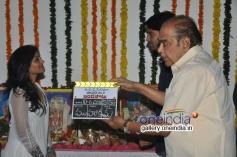 Eesha and D. Ramanaidu at Bandipotu Movie Launch