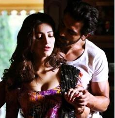 Shruti Hassan & Arjun Rampal in Gelupu Gurram Movie