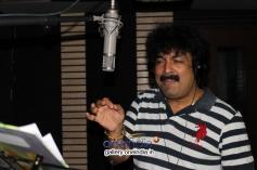 Gurukiran sings song for film Bombay Mitai