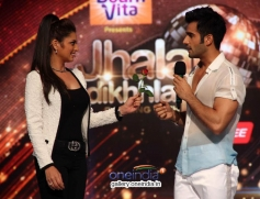 Host Drashti Dhami & Karan Tacker at Press Conference of Jhalak Dikhla Jaa Season 7