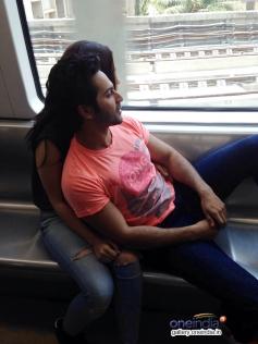 Humpty Sharma takes his dulhaniya on the Mumbai metro