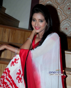 Rupali Bhosale at Badi Door Se Aaye Hain on location shoot