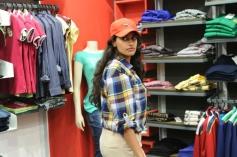 Salony Luthra still from Sarabam Movie