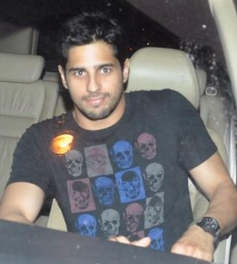 Sidharth Malhotra arrives for Sonakshi Sinha's Birthday Party 2014
