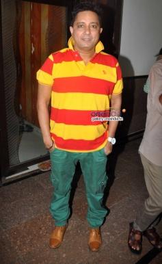 Sukhwinder Singh at Song recording of Rab Mujhe Pyaar Ho Gaya