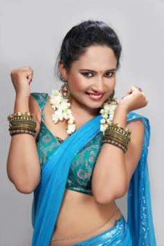 Tamil Actress Pearl D'souza