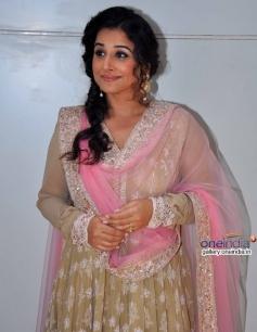Vidya Balan at Life OK Awards Special Performance Shoot