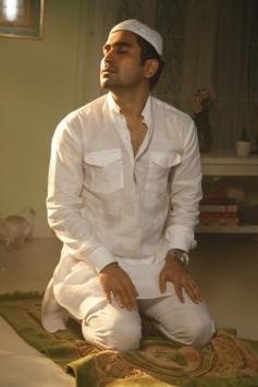 Vijay Antony still from Tamil Movie Salim